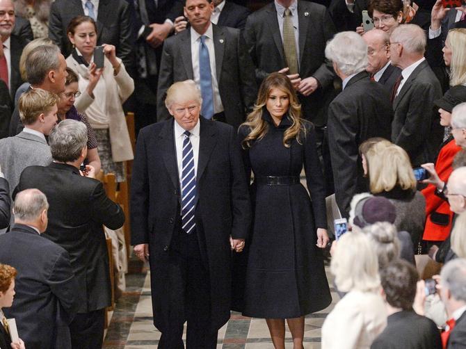 Posle inauguracije Trampovi u crkvi: Melanija opet POENTIRALA!