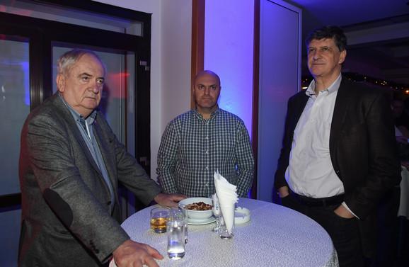 """Božidar Maljković, predsednik OKS, Igor Velimirović, urednik u """"Blicu"""" i Žarko Zečević, potpredsednik OKS"""