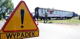 Kierowca wjechał prosto pod pociąg. Przerażające wideo!