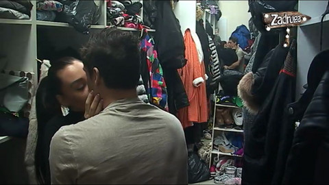 NISU MOGLI DA SE SUZDRŽE: Ana i David se zavukli u garderober, a onda je VRUĆA AKCIJA mogla da počne! VIDEO