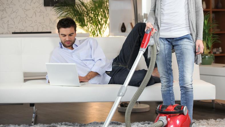 Jak podzielić po równo obowiązki domowe?