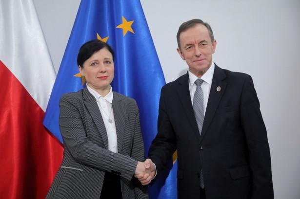 Marszałek Senatu Tomasz Grodzki spotkał się we wtorek rano z wiceprzewodniczącą Komisji Europejskiej Vierą Jourovą