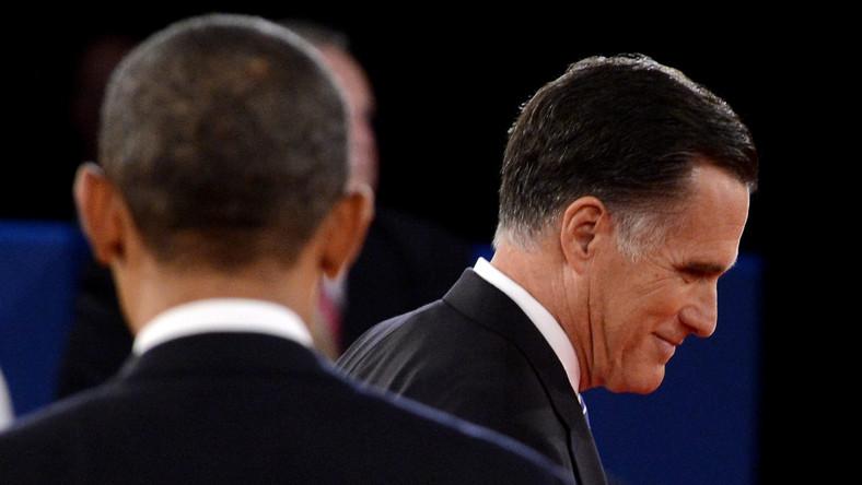Obama i Romney idą łeb w łeb, ale Republikanin zyskuje w swing states