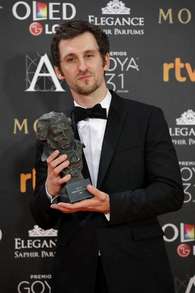 Raul Arevalo sa nagradom za najbolji film