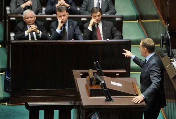 Jarosław Kaczyński i Donald Tusk w Sejmie w 2014 roku.