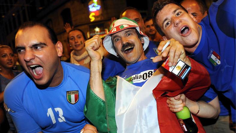 Włoscy kibice świętują zwycięstwo