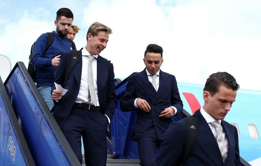 Abdelhak Nouri walczy o życie. 20-letni piłkarz Ajaxu zemdlał na meczu