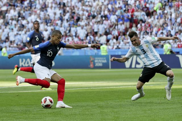 Kilijan Mbape na meču sa Argentinom