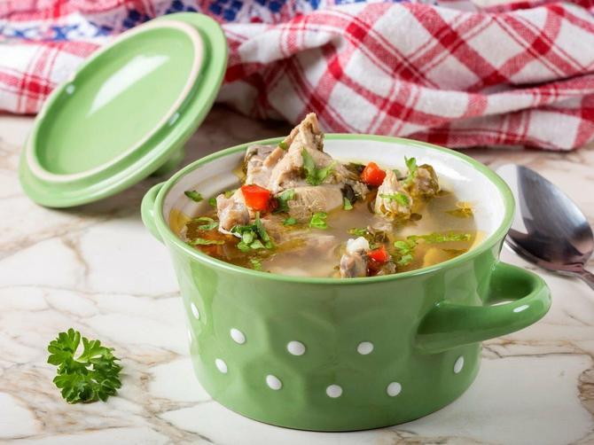 U pileću supu obavezno dodajte OVAJ SASTOJAK: Zvuči čudno, ali biće ukusnija nego ikada