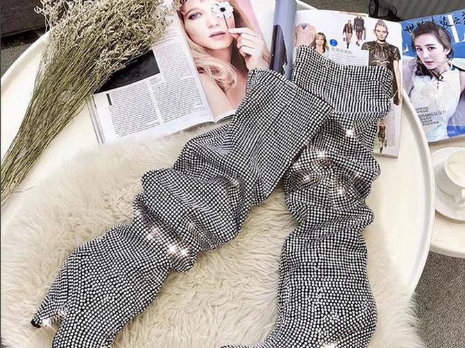 Ove čizme samo što su se pojavile, a Beograđanke su već lude za njima! Šta mislite, koliko koštaju?