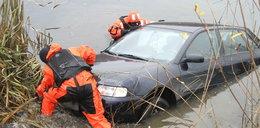 Tak uratujesz się z tonącego auta. Musisz to wiedzieć po tragedii w Tryńczy