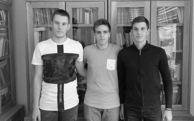 ucenici pravoslavne gimnazije
