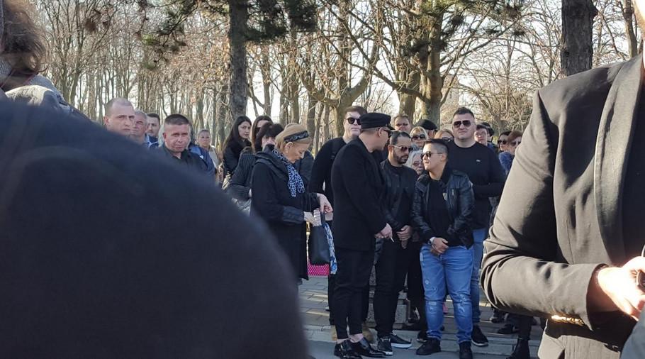 Poznati na sahrani Divne Karleuše