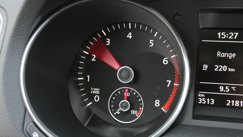 Raport rzeczoznawców DEKRA powstał po analizie ponad 15 milionów badań okresowych pojazdów, które przeprowadzono w ciągu dwóch ostatnich lat. Zdaniem autorów opracowanie ma być pomocne przy zakupie używanego samochodu. Dziennik.pl wybrał z tego zestawienia top 10 w kategorii przebiegu ponad 150 tys. km. Zobacz ranking - auta są uszeregowane od miejsca dziesiątego do pierwszego...