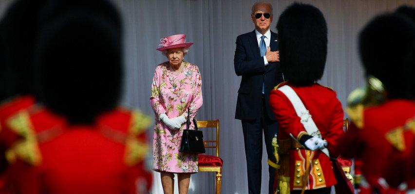 Joe Biden spotkał się z Elżbietą II na zamku w Windsorze. Była urodzinowa parada, a potem wspólna herbata