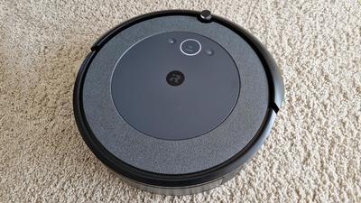 iRobot Roomba i3+ und i4+ im Test: Gute Reinigungsleistung und Absaugstation