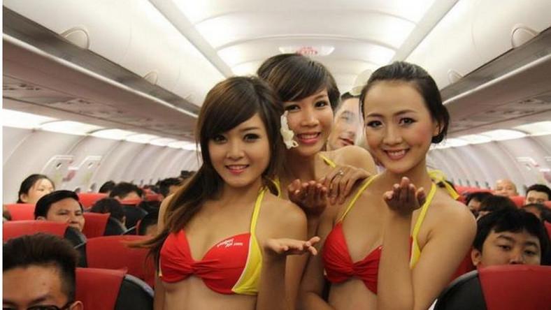 Pokład samolotu tanich wietnamskich linii lotniczych VietJet