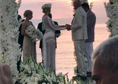 O njenoj svadbi sa 34 godine starijim BOGATAŠEM PRIČA CELA SRBIJA, a o ovim destinacijama gde ide tek će se pričati!