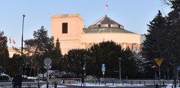 Klamka zapadła, Sejm odgradza się od obywateli. Wydadzą na to setki tysięcy złotych