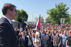 Aleksandar Vučić, Leoni