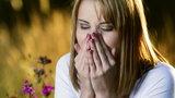 Zasłaniasz nos podczas kichania? To niebezpieczne!