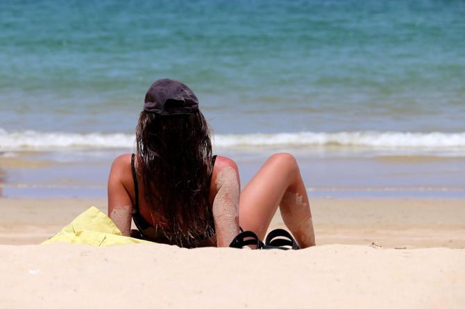 Ilustracija/Plaža u Grčkoj