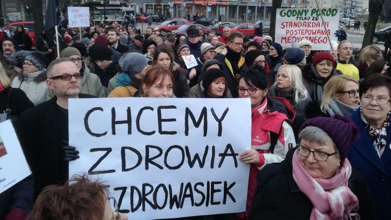 """Manifa I Strajk Kobiet W Gdańsku. """"Chcemy Zdrowia, Nie"""