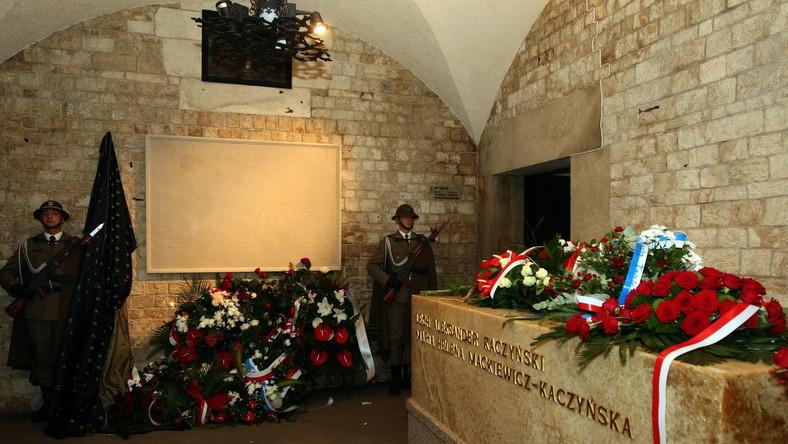 Dwa pogrzeby na Wawelu? Kuria rozwiewa wątpliwości
