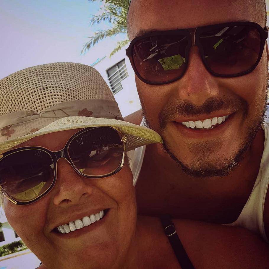 Mirko Gavrić sa majkom