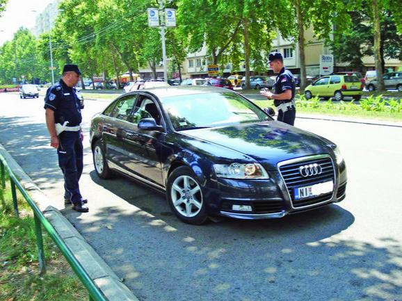 Saobraćajna policija u kontroli