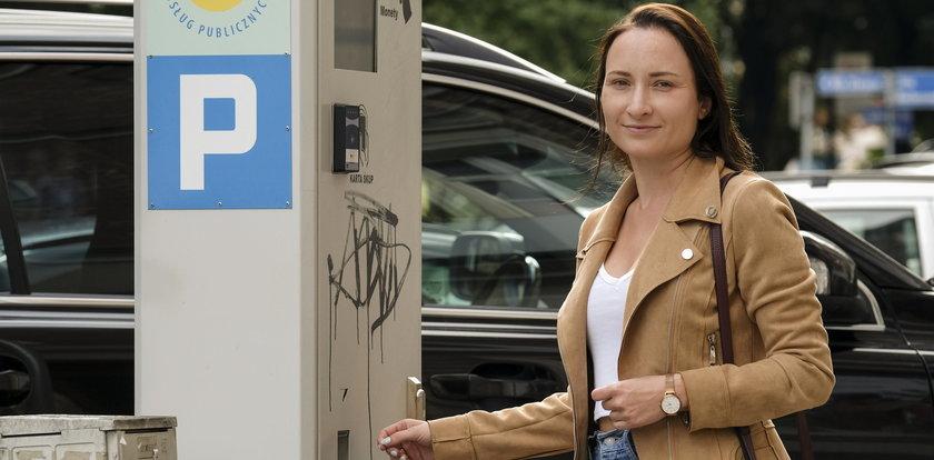 Zapłacisz kartą za postój. Zmiany w katowickiej strefie płatnego parkowania