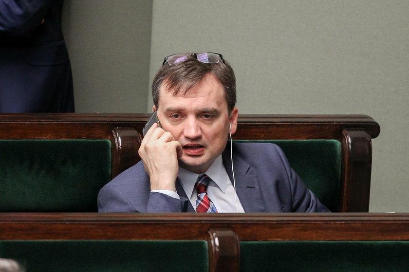 Rząd kupuje telefony za 2,5 mln zł!