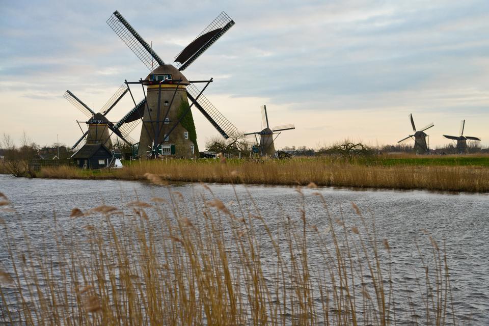 Grupa 19 wiatraków, które mają prawie 300 lat, została wpisana na listę światowego dziedzictwa UNESCO.