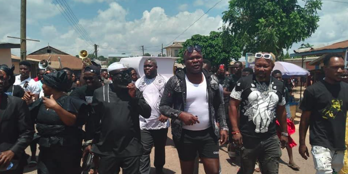 Photos: Bukom Banku and friends at mother's funeral in E/R