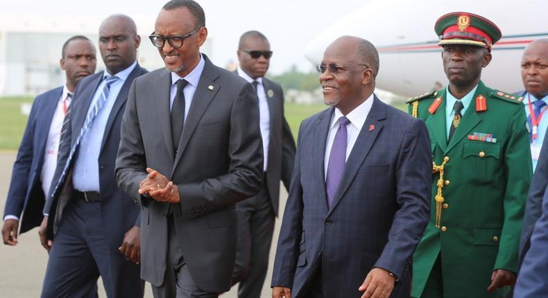 Rwanda's President Paul Kagame with his Tanzanian counterpart John Magufuli