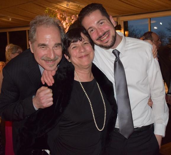 Brajan Štajnhauer sa porodicom