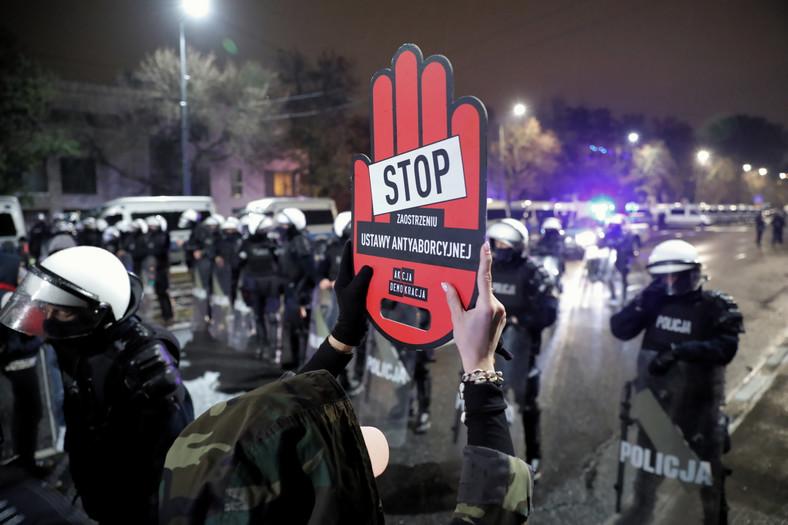 Warszawa. Protest przeciwko zaostrzeniu prawa aborcyjnego