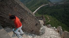 """""""Dzikie"""" odcinki Wielkiego Muru Chińskiego zagrożeniem dla turystów"""