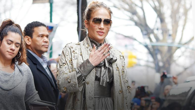 Jennifer Lopez w mini. Co za nogi!