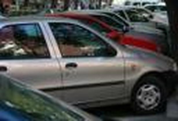 Według PwC sprzedaż aut w Rosji powinna w tym roku wynieść 3,8 mln pojazdów.