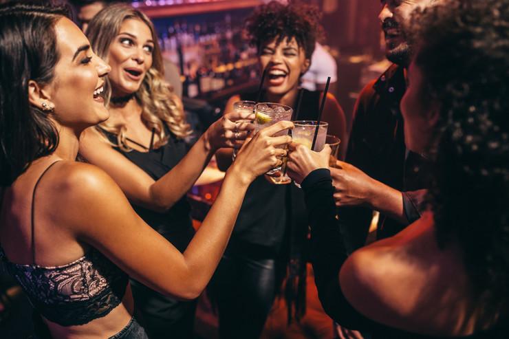alkohol, društvo, pijanka, žurka, zabava