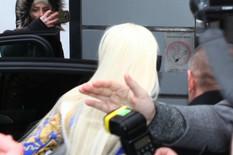 """PRVE FOTOGRAFIJE POSLE SKANDALA Jelena Karleuša stigla na """"Grand"""", njen menadžer GURAO okupljene"""