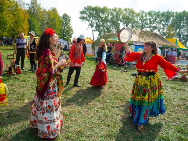 """Kobieta podkreślała też, że obywatele polscy pochodzenia romskiego """"nieco inaczej podchodzą do kwestii uzyskiwanych dochodów"""" Anton Gvozdikov / Shutterstock.com"""