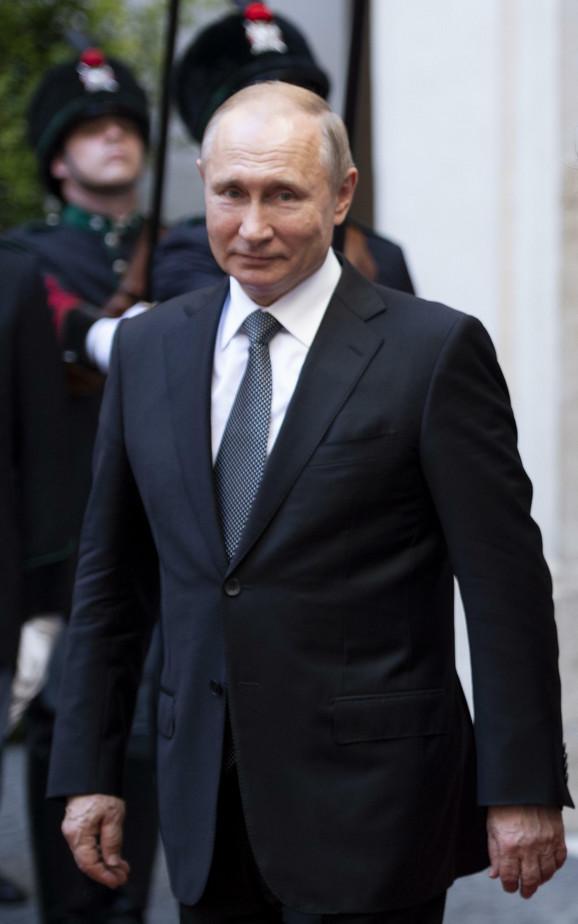 U sve se meša - Vladimir Putin u Rimu 4. jula