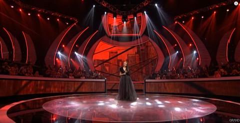 Nekad je bila u dugim haljinama, a sad u Zvezde Granda došla u DONJEM VEŠU, LANCIMA I LATEKSU!