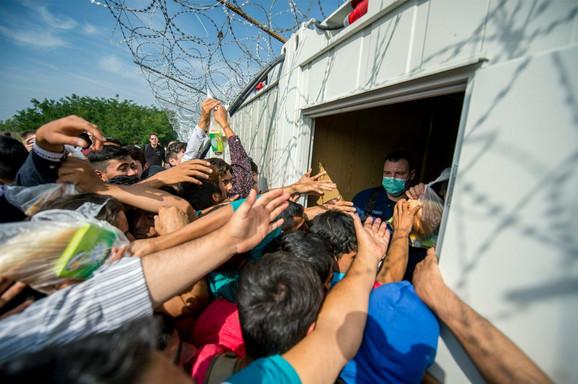 Distribucija hrane izbeglicama uReskeu