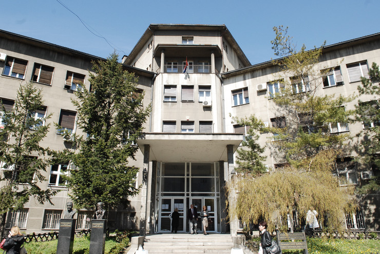 273633_fakultet01rasfoto-vesna-lalic