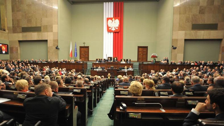Sejm uchwalił ustawę antyspreadową