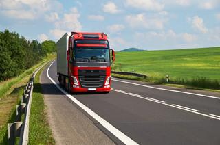 KE szykuje zmiany przepisów dotyczących transportu w UE. Polskie firmy pełne obaw