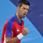 MAESTRALNI ĐOKOVIĆ GRABI KA MEDALJI! Novak koristio i dodatni kiseonik, pa prošao u polufinale Olimpijskih igara!